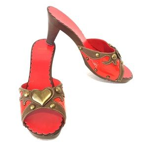 Moschino red patent open toe heels with hearts 7.5